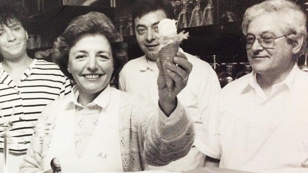 1989 - Adelina Benito